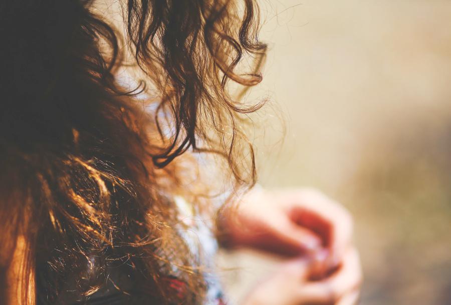 知っておきたい、くせ毛の原因と対策